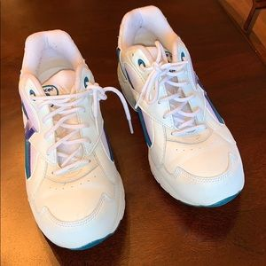 Women New Balance 751 size 9B tennis shoes
